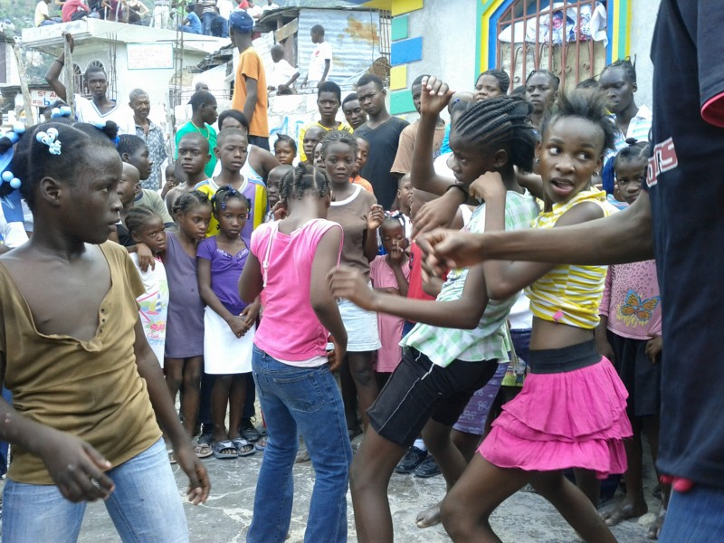 Fundraiser by feral barbus haiti trip 2014 giving back for Porte vue 60 feuilles